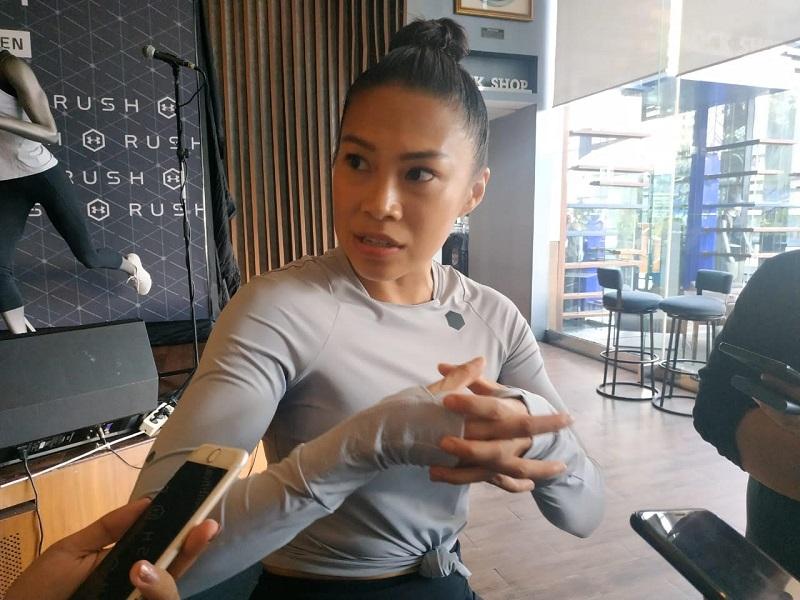 https: img.okezone.com content 2019 06 27 481 2071842 menjadi-atlet-lari-adinda-sukardi-jaga-pola-makan-ini-yang-dikonsumsi-1DXNX2JPph.jpg