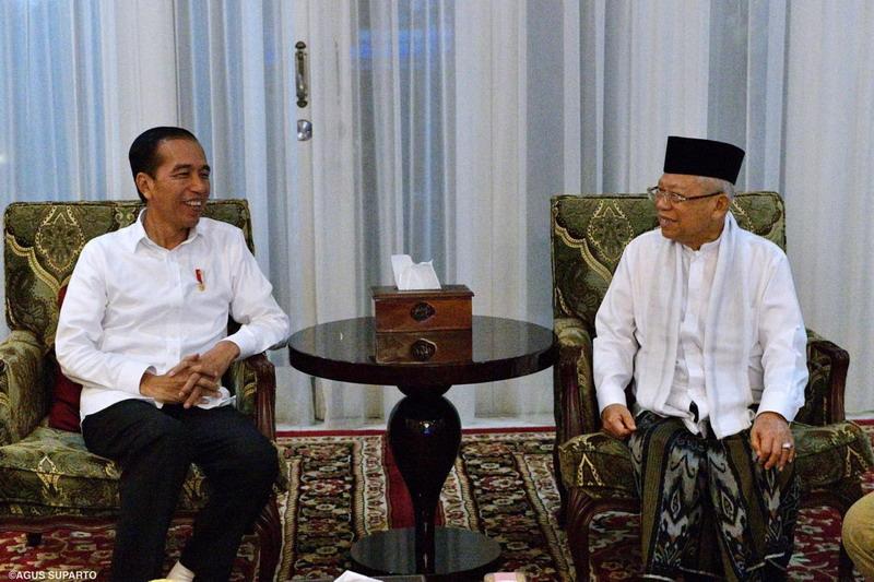 https: img.okezone.com content 2019 06 27 605 2071885 jokowi-proses-pemilu-jadi-pembelajaran-pendewasaan-demokrasi-indonesia-ugNxV2HASU.jpg
