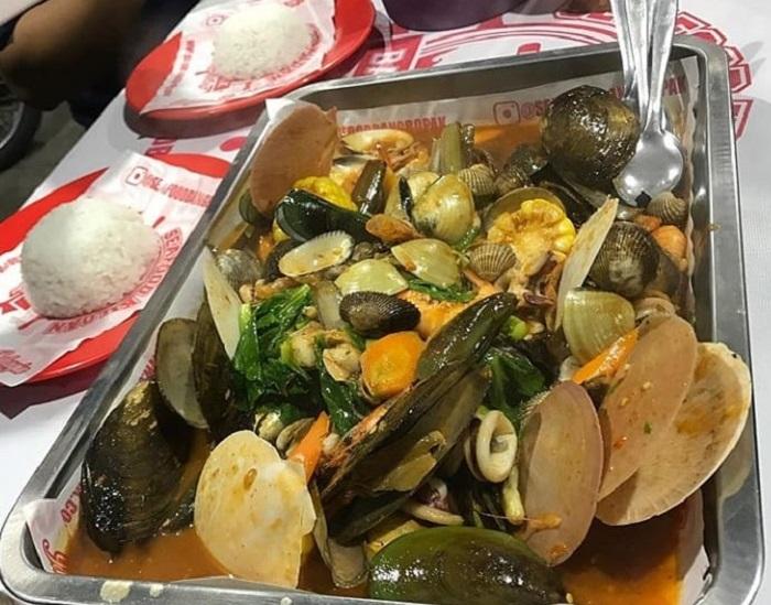 5 Rekomendasi Wisata Kuliner Malam Di Bandung Asyik Untuk