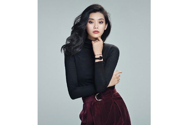 https: img.okezone.com content 2019 06 30 194 2072835 ming-xi-model-cantik-asal-china-yang-sukses-berkarier-internasional-HpS6r2lcHg.jpg