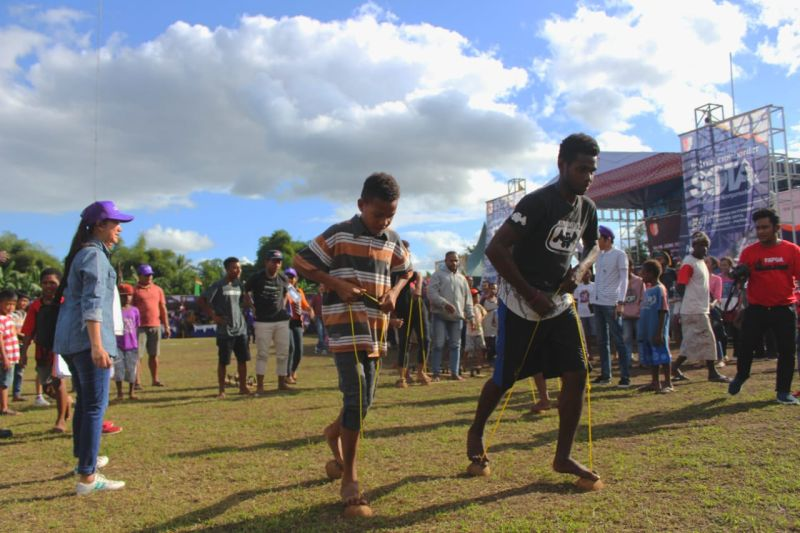 Diwarnai Permainan Tradisional Festival Crossborder Sota Jadi Penuh Keceriaan Okezone Travel