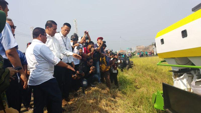 https: img.okezone.com content 2019 07 01 1 2072979 membangun-pertanian-4-0-di-daerah-ini-langkah-besar-kementan-KFAUa3T6k8.jpg