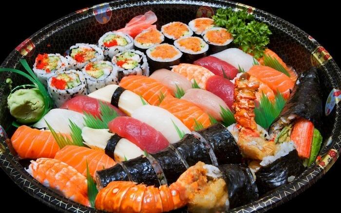 https: img.okezone.com content 2019 07 01 298 2073253 ternyata-sushi-bukan-berasal-dari-jepang-XreYpCTsCv.jpeg