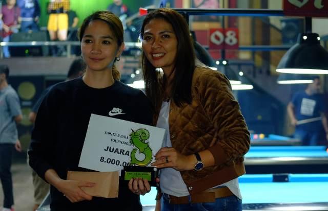 https: img.okezone.com content 2019 07 02 43 2073777 angel-juarai-shinta-9-ball-women-tournament-EsXMX4HkLG.jpg