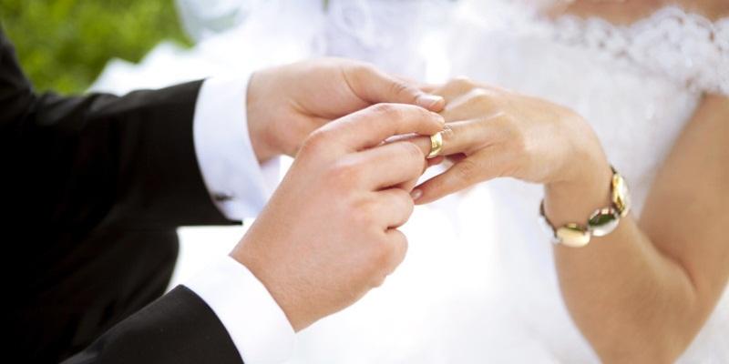 Dari tradisi inilah berbagai mitos soal pernikahan mulai bermunculan.