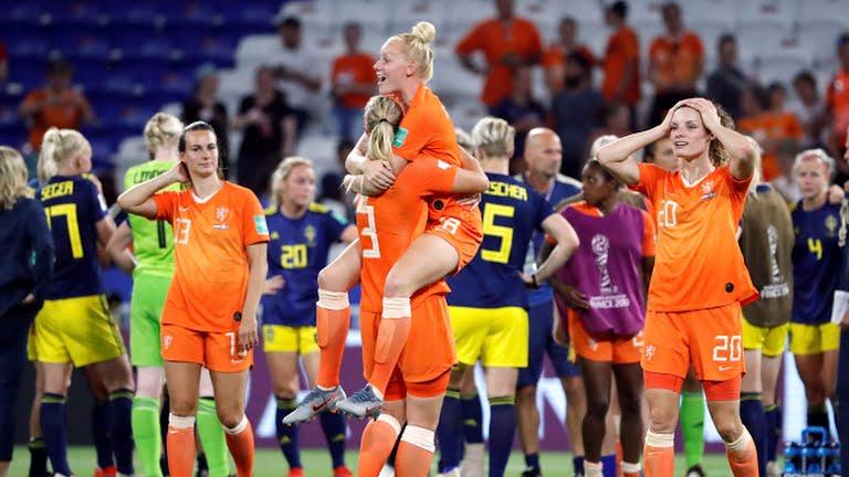 https: img.okezone.com content 2019 07 04 51 2074383 kalahkan-swedia-belanda-melaju-ke-final-piala-dunia-wanita-2019-pljnSPpcHE.jpg