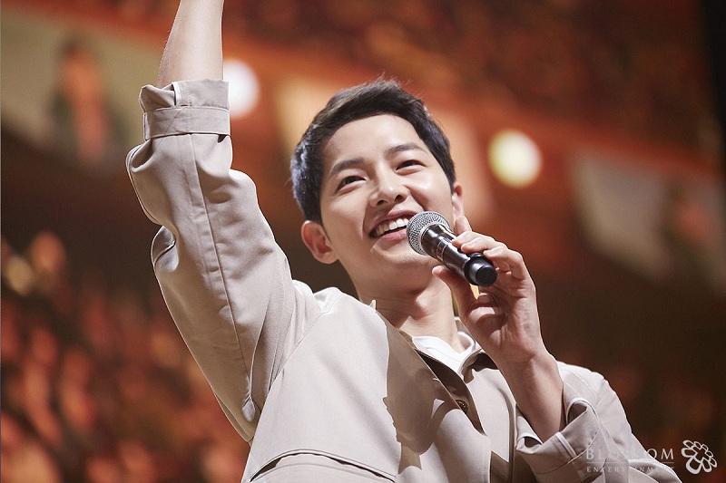 https: img.okezone.com content 2019 07 05 206 2075068 gugatan-cerai-diproses-song-joong-ki-sibuk-syuting-film-baru-tvGvv9CAhE.jpg