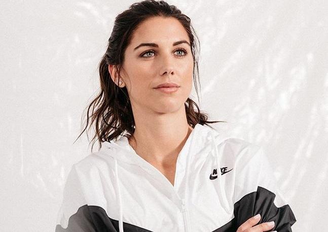 https: img.okezone.com content 2019 07 08 194 2076160 intip-5-potret-cantik-alex-morgan-peraih-silver-boot-di-piala-dunia-wanita-2019-bewH5ogsCA.jpg