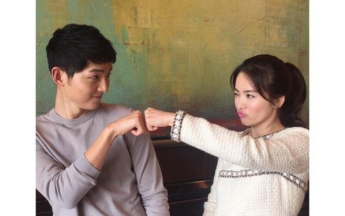 https: img.okezone.com content 2019 07 08 406 2076097 bikin-baper-song-joong-ki-pernah-ungkap-hal-ini-tentang-song-hye-kyo-bRU0h93Ydj.jpeg