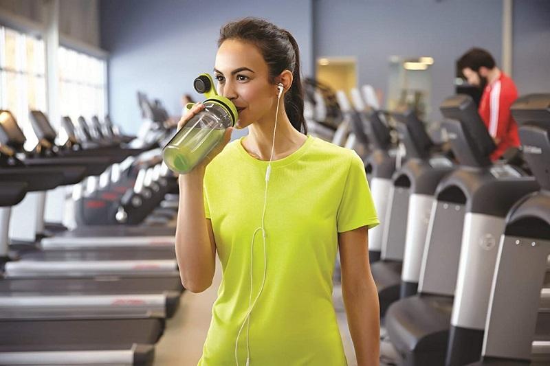 https: img.okezone.com content 2019 07 09 481 2076818 cara-memilih-botol-minum-yang-bagus-untuk-kesehatan-JnitMsvwlV.jpeg