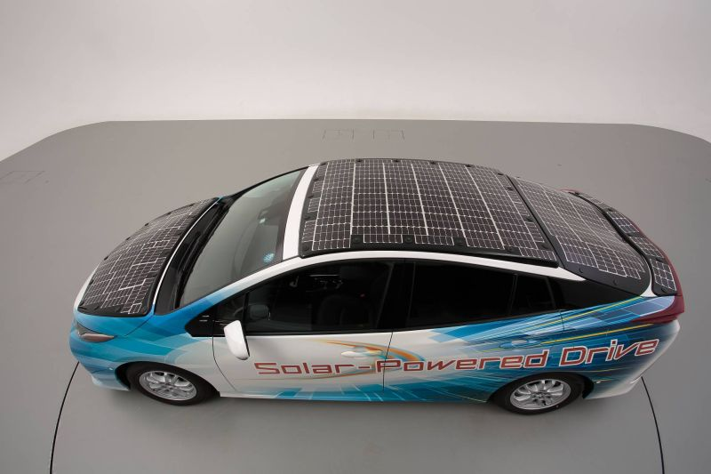 https: img.okezone.com content 2019 07 09 52 2076552 solar-panel-jadi-solusi-pengisian-mobil-listrik-ini-penjelasannya-H0ikTBI4JJ.jpg