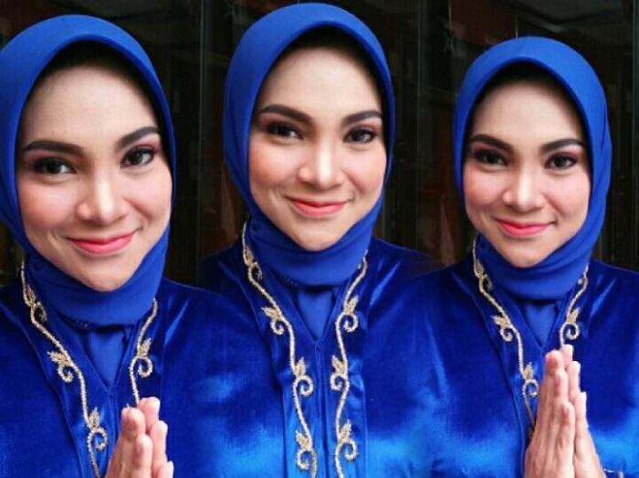 https: img.okezone.com content 2019 07 10 617 2076968 5-gaya-hijab-hanum-rais-kandidat-wakil-dprd-yogyakarta-Yh1I9WiErd.jpg