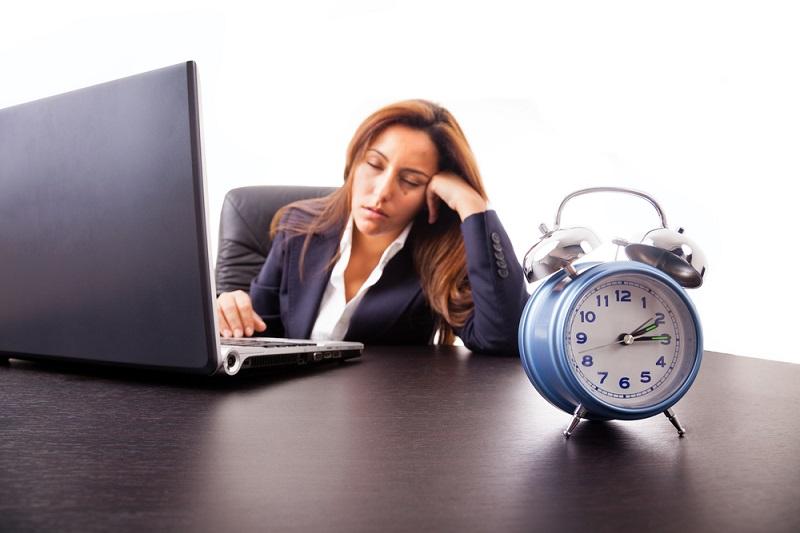 https: img.okezone.com content 2019 07 11 481 2077551 ngantuk-setelah-makan-siang-normalkah-atau-ada-gejala-penyakit-uBR3kXjjmA.jpg