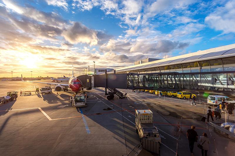 https: img.okezone.com content 2019 07 12 1 2077995 bandara-ngurah-rai-layani-2-1-juta-penumpang-di-juni-tertinggi-sepanjang-2019-nxSngd0mur.jpeg