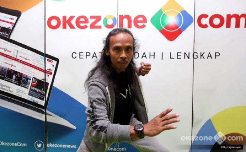 https: img.okezone.com content 2019 07 12 206 2078195 berkat-yayan-ruhian-pencak-silat-dan-bahasa-indonesia-muncul-di-film-hollywood-GX7ySCMdcP.jpg