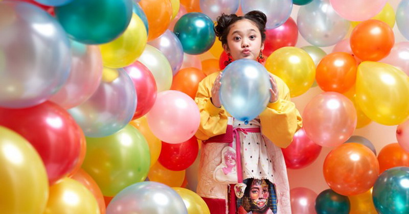 https: img.okezone.com content 2019 07 13 205 2078435 nyanyikan-lagu-anak-raina-gumay-dapat-pujian-melly-goeslaw-PRjqcSizxz.jpg