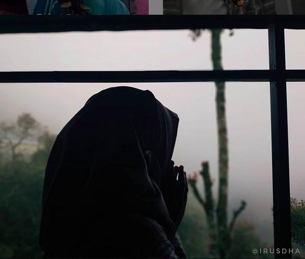 https: img.okezone.com content 2019 07 14 196 2078677 ikhlas-merawat-anak-istri-kedua-poligami-menghancurkan-impian-ibuku-FSCi0muuVR.png