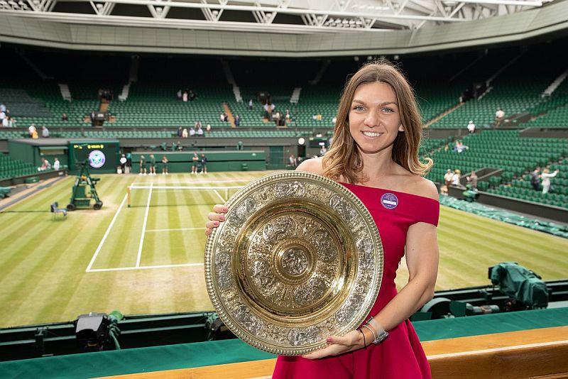 https: img.okezone.com content 2019 07 14 40 2078794 juara-wimbledon-2019-halep-angkat-nama-tenis-rumania-Cl03rjuW1p.jpg