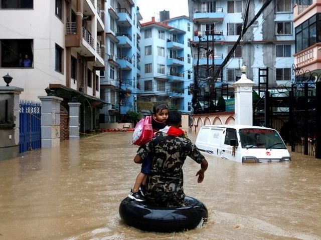 https: img.okezone.com content 2019 07 15 18 2079033 65-orang-tewas-imbas-banjir-landa-nepal-india-dan-bangladesh-kxcLAydOIn.jpg