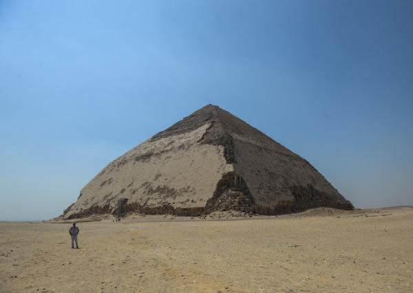 https: img.okezone.com content 2019 07 15 18 2079237 mesir-buka-kembali-piramida-kuno-yang-ditutup-selama-lima-dekade-xub4DXYNMa.jpg
