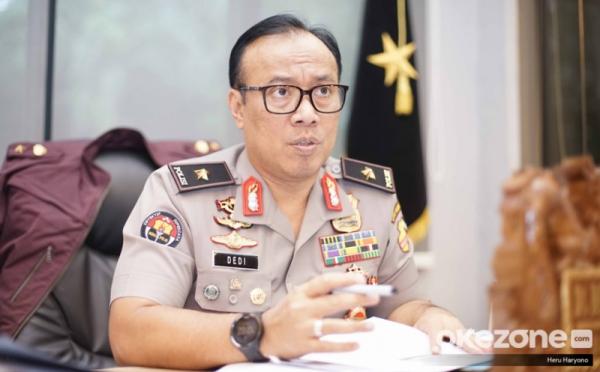 https: img.okezone.com content 2019 07 15 337 2078963 polri-pastikan-komjen-iriawan-tak-terkait-kasus-novel-baswedan-yNTDlMnYCL.jpg