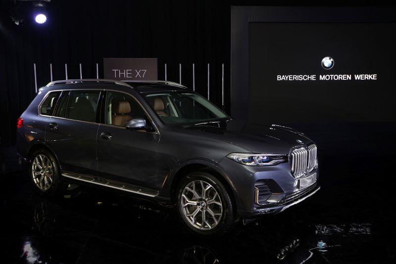 Otomotif Mail: BMW Luncurkan X7, Inikah Mobil Yang Sesuai Untuk Presiden