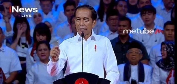 https: img.okezone.com content 2019 07 15 605 2079055 pidato-visi-indonesia-jokowi-dinilai-lugas-dan-lengkap-IYDOTOnde5.jpg