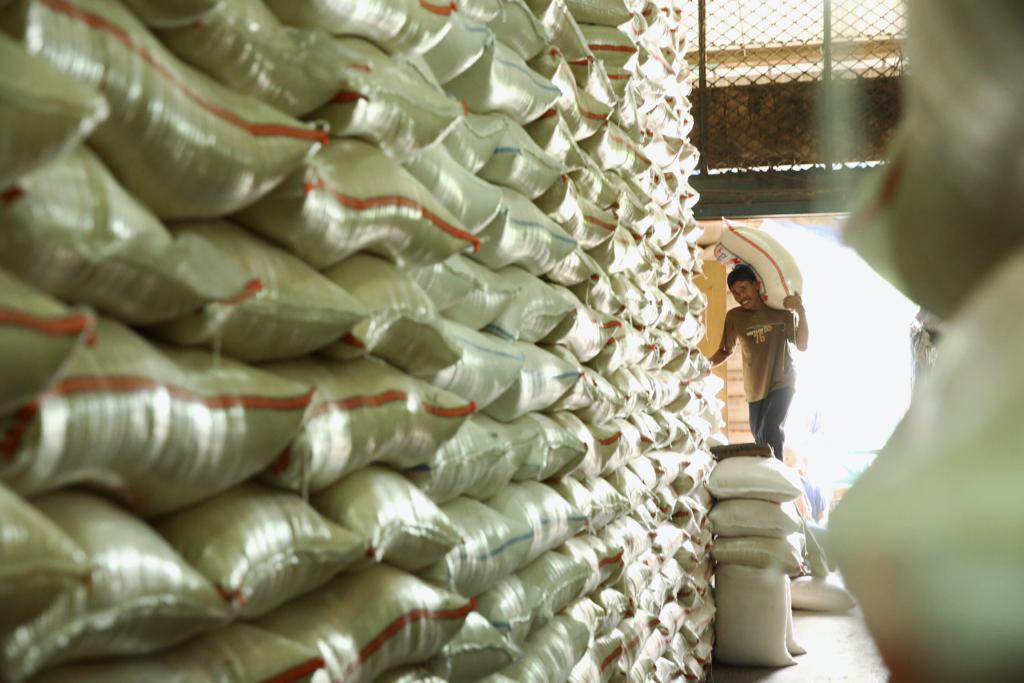 https: img.okezone.com content 2019 07 16 320 2079446 genjot-ekspor-ri-bangun-gudang-pangan-raksasa-di-5-kota-JWlD8TF0eQ.jpg