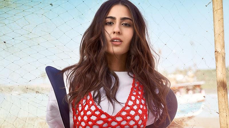 https: img.okezone.com content 2019 07 16 33 2079396 5-fakta-menarik-sara-ali-khan-putri-cantik-kareena-kapoor-C8WHxeYo0D.jpg