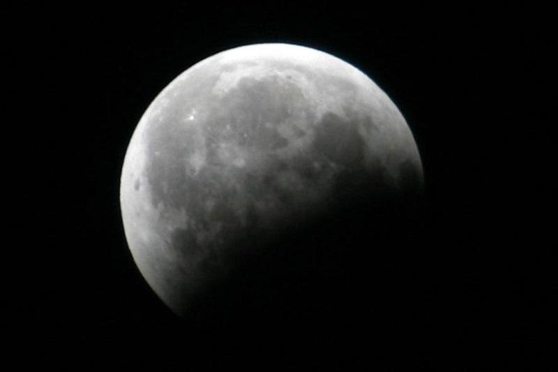 https: img.okezone.com content 2019 07 16 406 2079456 jangan-terlewatkan-besok-ada-gerhana-bulan-sebagian-LX1pDcjdnk.jpg