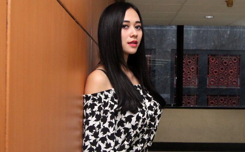 https: img.okezone.com content 2019 07 17 33 2080005 akhirnya-ini-wajah-cantik-putri-aura-kasih-meFeGlPrun.JPG