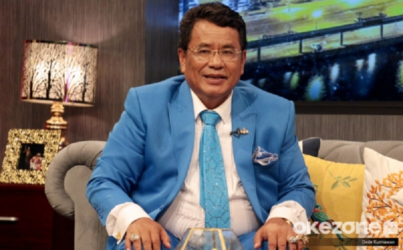 https: img.okezone.com content 2019 07 19 33 2080894 wajah-imut-rius-vernandez-bikin-hotman-paris-malas-jadi-kuasa-hukum-garuda-indonesia-W2No1Nch6p.jpg