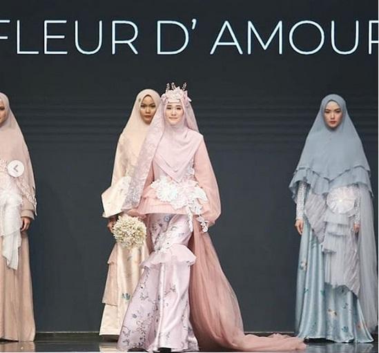 https: img.okezone.com content 2019 07 19 614 2081061 5-model-hijab-indonesia-cantiknya-bikin-hati-adem-3IO09Y5m9G.jpg