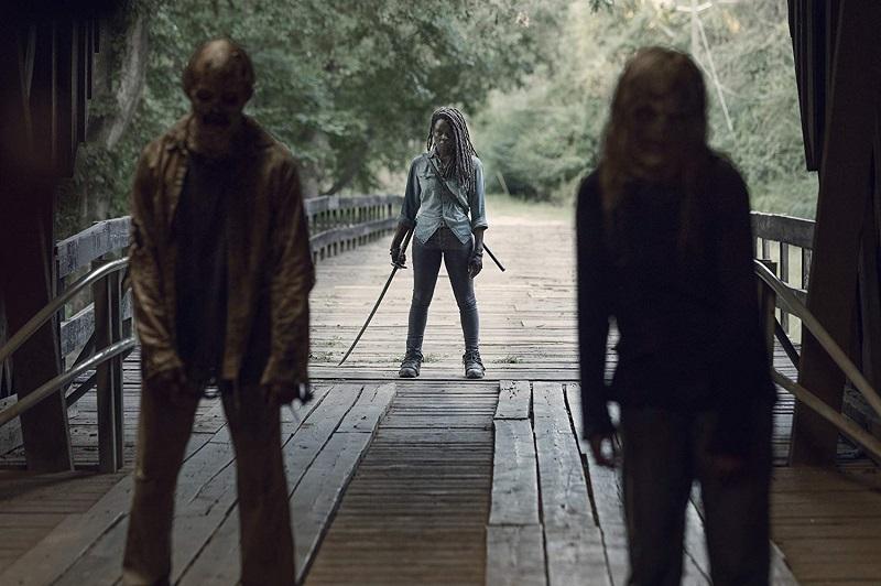 https: img.okezone.com content 2019 07 20 206 2081375 trailer-walking-dead-season-10-suguhkan-pertempuran-besar-the-whisperers-iBj3nN6gUF.jpg