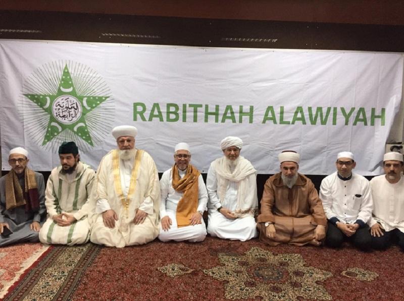 https: img.okezone.com content 2019 07 21 614 2081617 para-sufi-timur-tengah-sebut-rabithah-alawiyah-indonesia-catat-nasab-nabi-paling-rapi-Wsyyqmpg3t.jpg