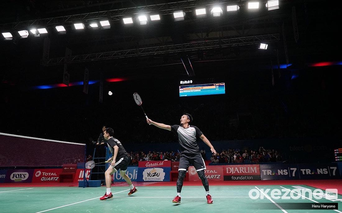 https: img.okezone.com content 2019 07 22 40 2081823 gagal-juara-di-indonesia-open-2019-ahsan-hendra-kami-tetap-bangga-F925fEqUFi.jpeg