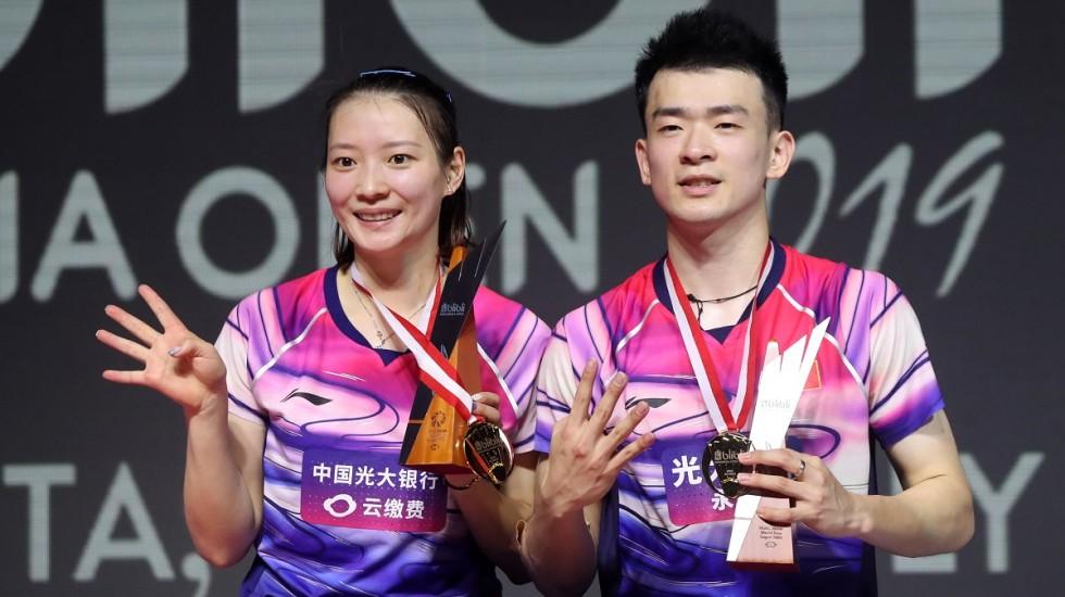 https: img.okezone.com content 2019 07 22 40 2081824 kebanggaan-ganda-campuran-china-raih-gelar-juara-di-indonesia-open-2019-Ybj37QKtfb.jpg