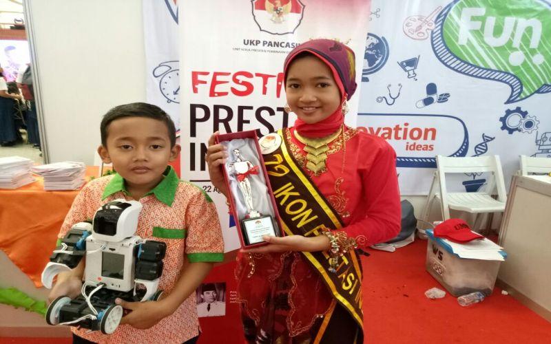 https: img.okezone.com content 2019 07 23 196 2082371 hari-anak-nasional-2019-5-sosok-muda-asal-indonesia-ini-torehkan-prestasi-tingkat-dunia-rnhxrNwp4z.jpg