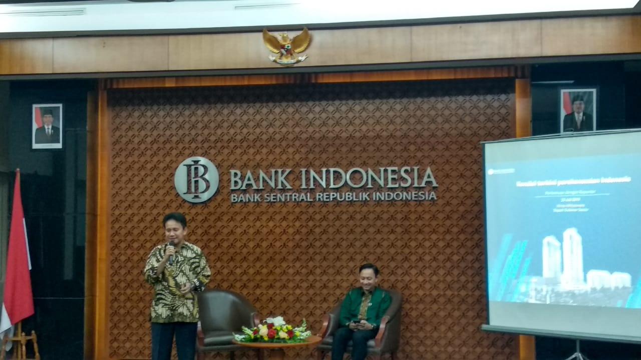 https: img.okezone.com content 2019 07 23 20 2082737 tak-lagi-jabat-dgs-bi-mirza-tetap-pantau-ekonomi-indonesia-H8Wf2Jjs6M.jpg