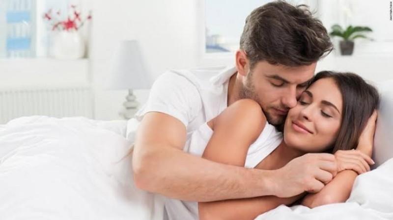 https: img.okezone.com content 2019 07 23 485 2082275 menutup-mata-saat-berhubungan-seks-wajar-gak-sih-iYpFBxBTlv.jpeg