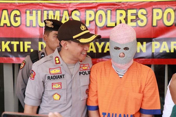 https: img.okezone.com content 2019 07 23 519 2082636 sebarkan-video-mesum-kekasihnya-di-medsos-pemuda-ponorogo-ditangkap-xHqzfGJlFs.jpg
