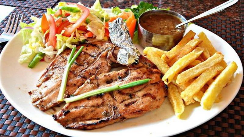 https: img.okezone.com content 2019 07 24 298 2082941 2-rekomendasi-resep-makan-malam-spesial-dijamin-makin-romantis-vChn5GGmgm.jpg