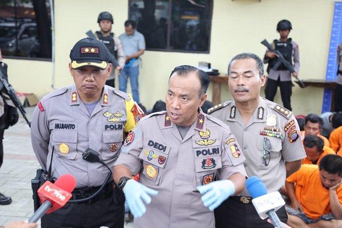 https: img.okezone.com content 2019 07 25 337 2083286 densus-88-gandeng-kepolisian-filipina-memburu-teroris-andi-baso-wLnQyFdaE9.jpg