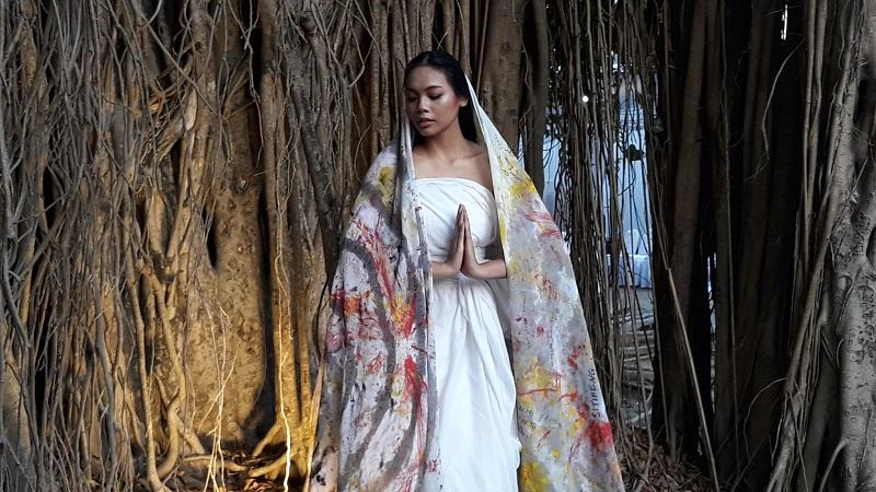 https: img.okezone.com content 2019 07 26 194 2084123 lestarikan-seni-budaya-alasan-alya-nur-shabrina-tampil-di-art-jog-PWNqdkasdb.jpg