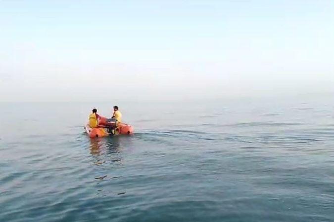 https: img.okezone.com content 2019 07 26 244 2083922 berenang-di-pantai-double-six-kuta-wn-yordania-hilang-Dfz8cdVXBu.jpg