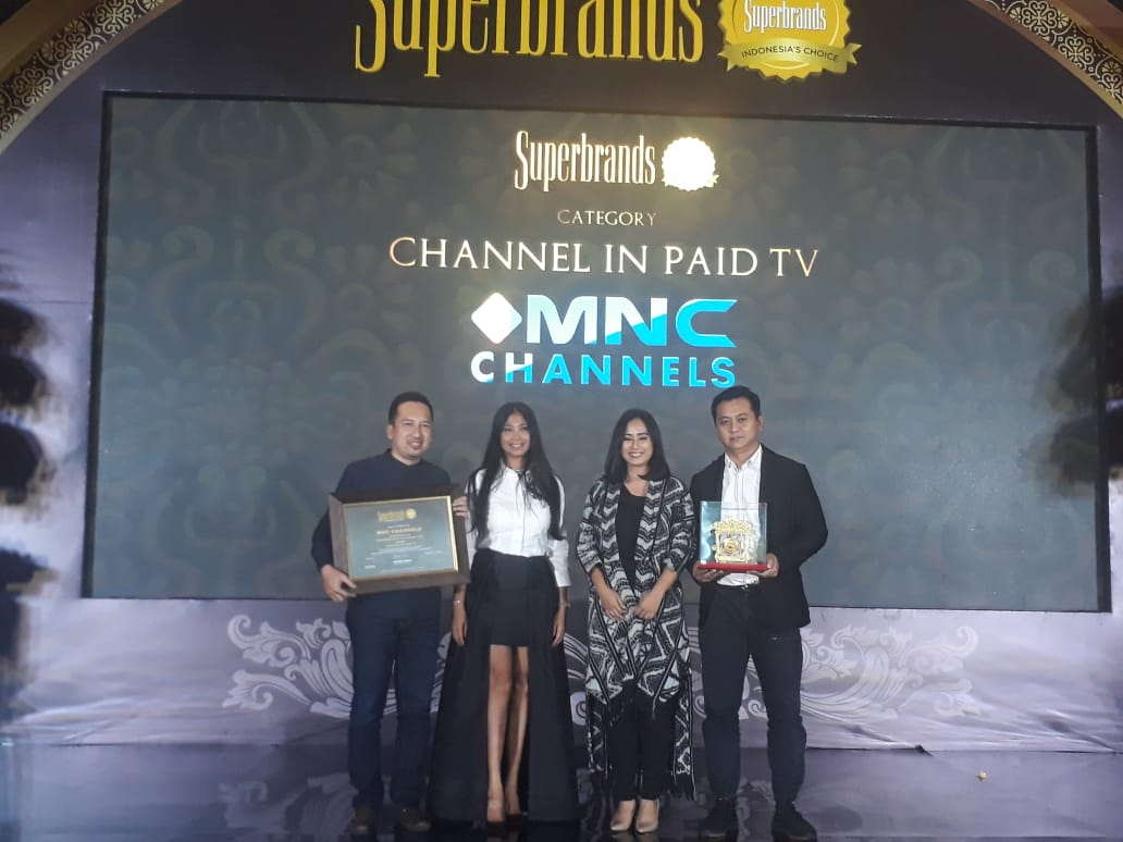 https: img.okezone.com content 2019 07 26 320 2084202 mnc-channels-raih-penghargaan-superbrands-indonesia-2019-9H1S58RBkw.jpeg