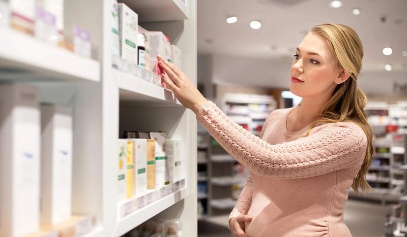 https: img.okezone.com content 2019 07 27 481 2084470 daftar-kandungan-kosmetik-yang-berbahaya-bagi-ibu-hamil-Kd9kzUqaUG.jpg