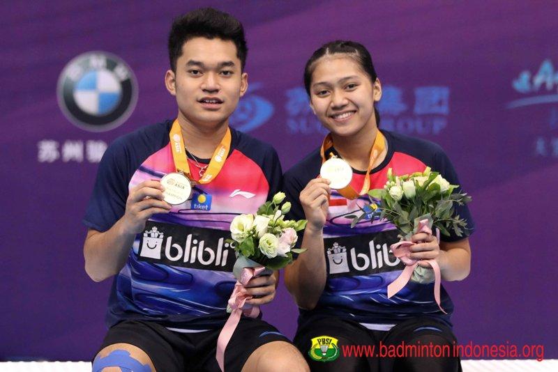 https: img.okezone.com content 2019 07 28 40 2084723 leo-indah-senang-bisa-kumandangkan-indonesia-raya-di-kejuaraan-bulu-tangkis-asia-junior-2019-LhfSZsLtlC.jpg