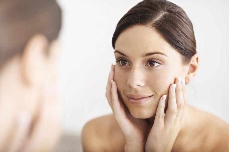 https: img.okezone.com content 2019 07 30 481 2085657 selain-kesehatan-ini-manfaat-air-hidrogen-untuk-kecantikan-kulit-rmNbrFYU33.jpg