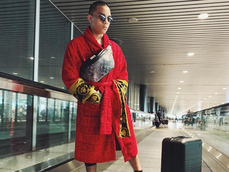 https: img.okezone.com content 2019 07 31 194 2085952 5-outfit-nyetrik-saaih-halilintar-ada-yang-pakai-handuk-mandi-di-bandara-ln8H3e2LQG.jpg